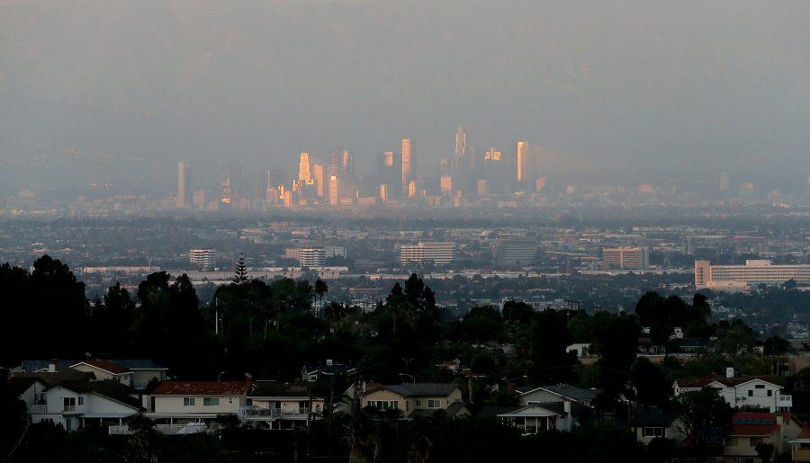 (Photo credit LA Times http://www.latimes.com/local/lanow/la-me-ln-summer-smog-20160805-snap-story.html)