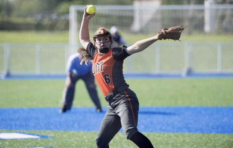 Rocket's Softball Advances To Semifinals